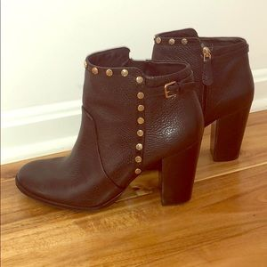 Authentic Tory Burch ankle boots. Great condition!